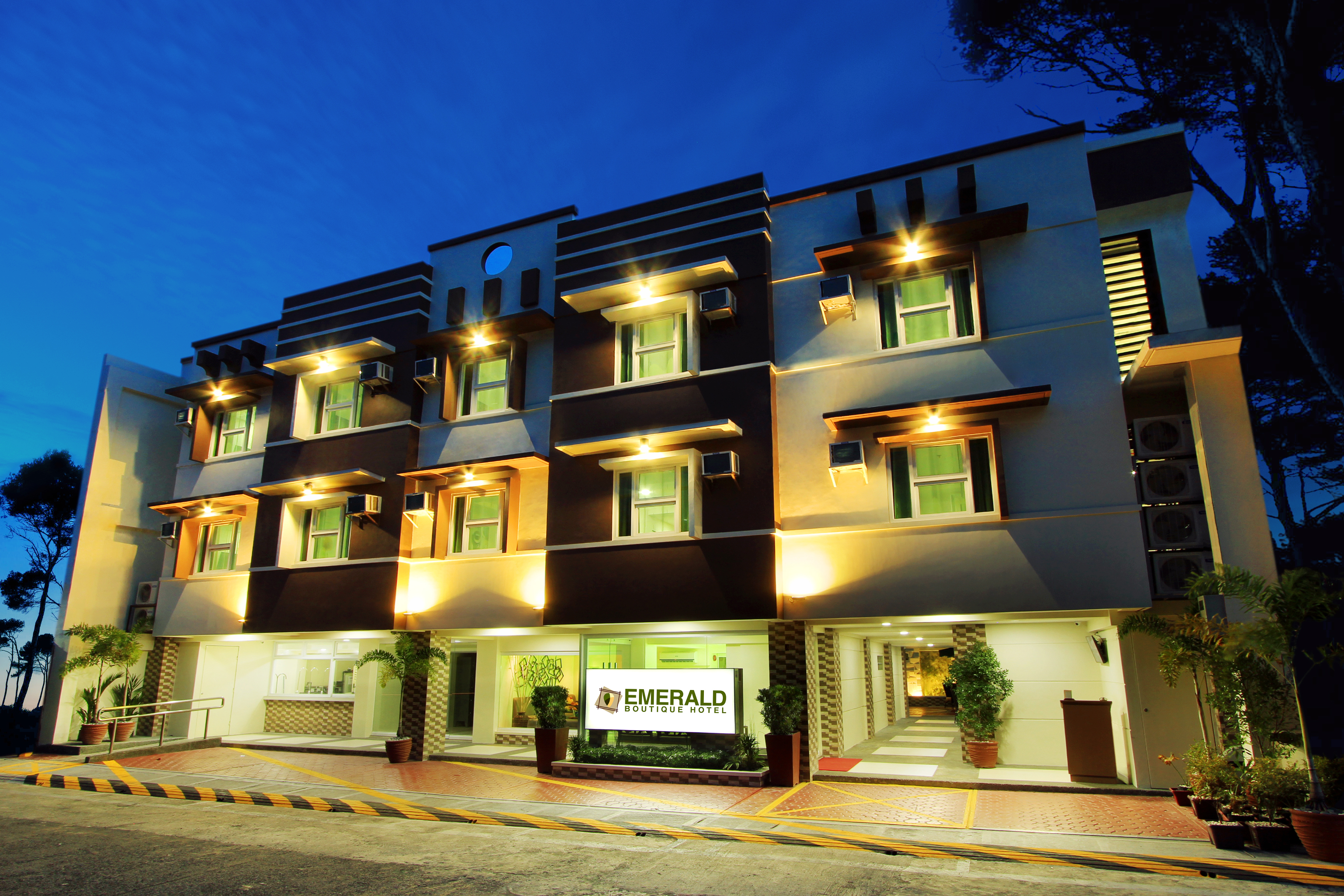 A new boutique hotel opens in legazpi fly me to mayon for Boutique hotel nrw