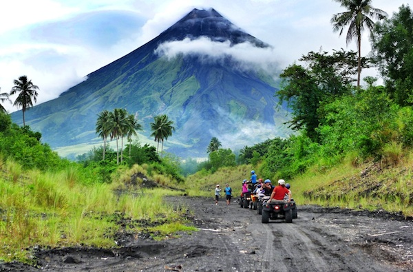 The-Rocky-Mayon-Trail